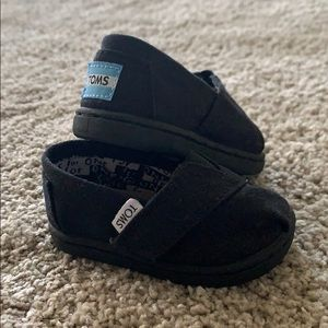 Toms size 3